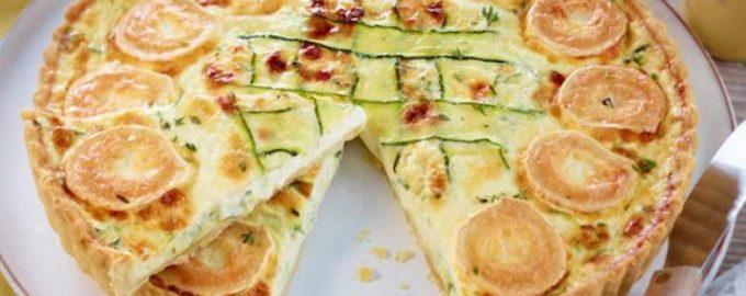 Открытый пирог с цуккини и козьим сыром