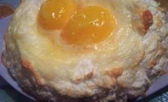 Яйца на сырных облаках