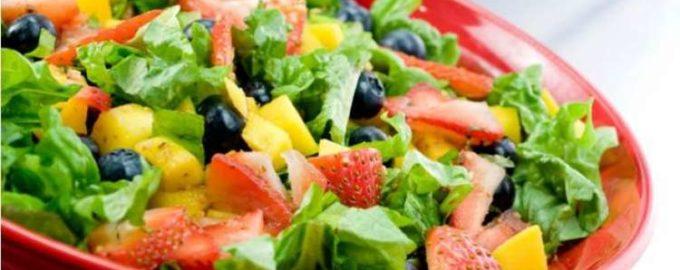 Фруктовый салат на новогодний столик