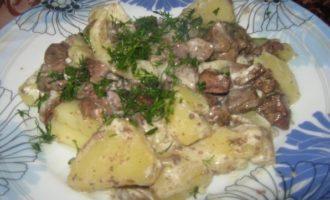 Говяжья печень, запеченная с картофелем
