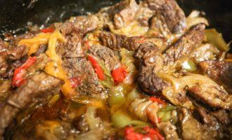 Мясное ассорти с овощами