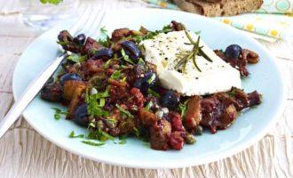 Сицилийская капоната с сыром