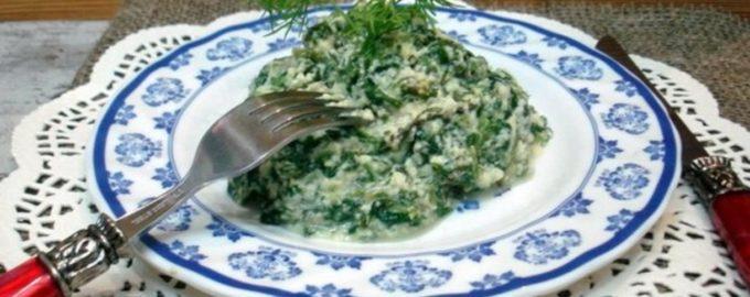 салат из шпината с яйцом