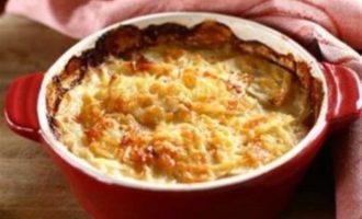 Пудинг из творога и картофеля