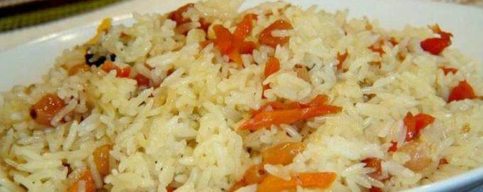 Плов с морковью и изюмом
