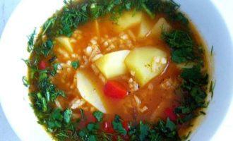 Как готовит рисовый томатный суп
