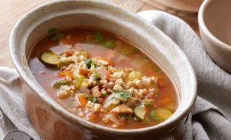 Овощной суп с перловой крупой